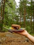 Burgeri viimeisellä piknikillään.